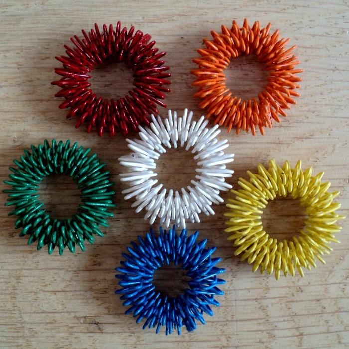 MASÁŽNÍ PRSTÝNEK 50 ks, barva dle výběru, prům. 27 mm, 34 Kč/ks prsten pro fyzické i psychické zdraví SU-JOK